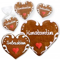 Place cards from gingerbread hearts Konstantin