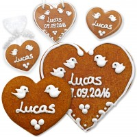 Gingerbread heart name card for wedding