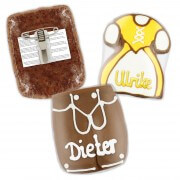 Gingerbread Dirndl & Lederhose name tag with with button , 8cm