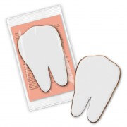 Gingerbread tooth with printed card, in flowpack