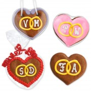8cm gingerbread heart with initials and wish packaging