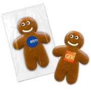 Gingerbread man in flowpack, 15cm with logo